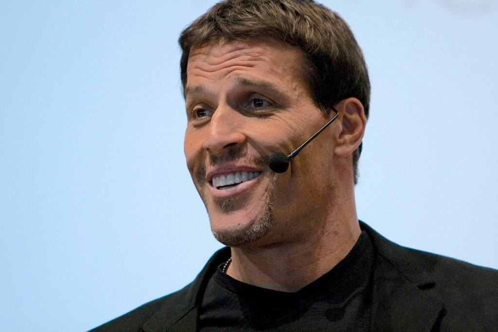 This image has an empty alt attribute; its file name is Tony_Robbins.jpg